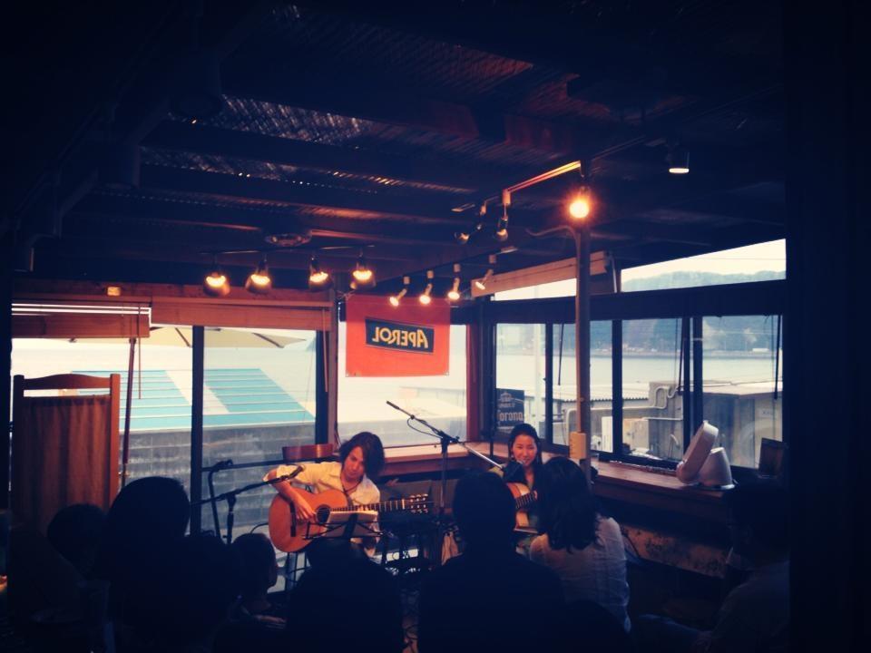 2013年・逗子 カフェ渚小屋 w/露木達也(guitar)