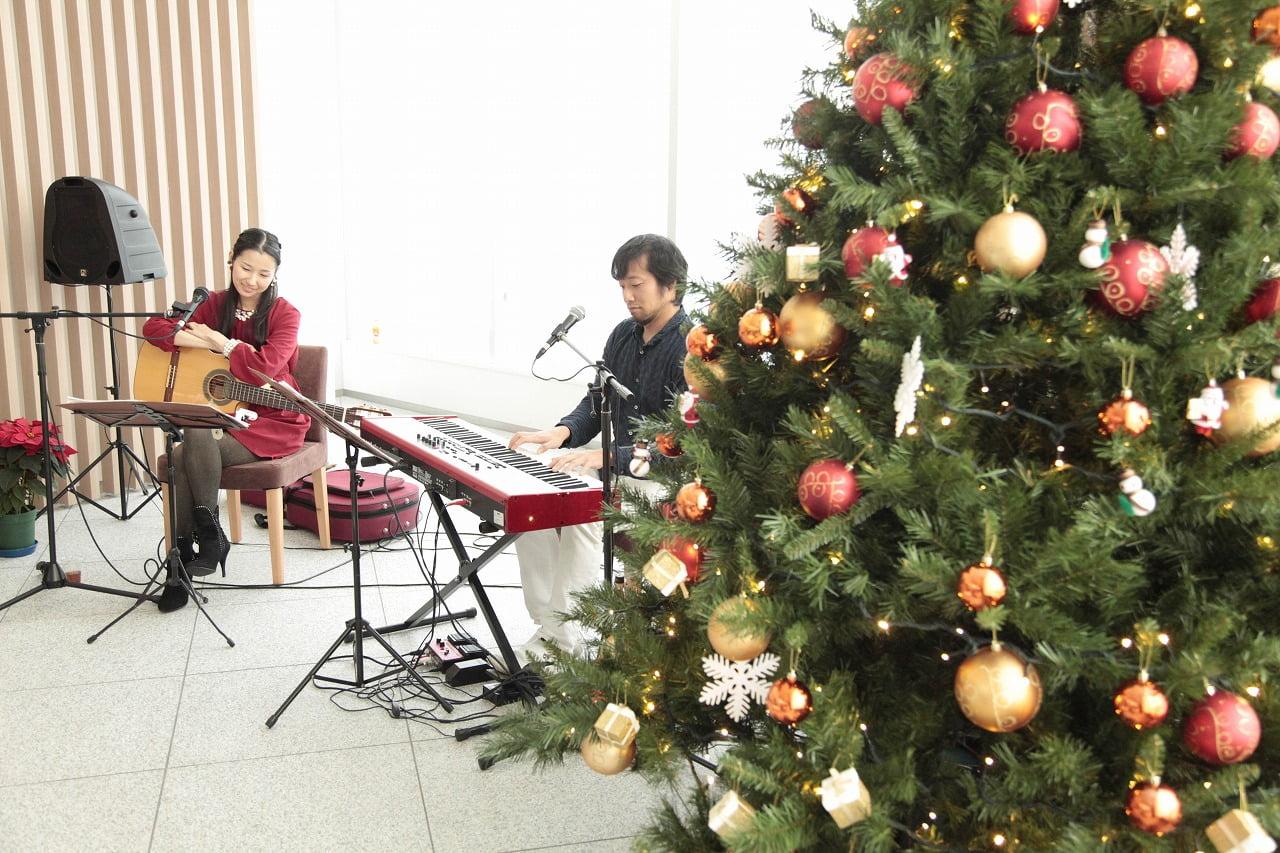 2014年・マンションでのエントランス演奏(w/永田ジョージ)