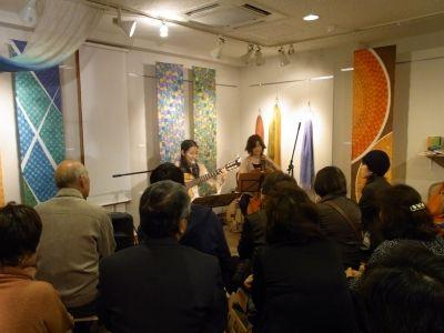 2011年ギャラリーにて(w/平山織絵(cello))