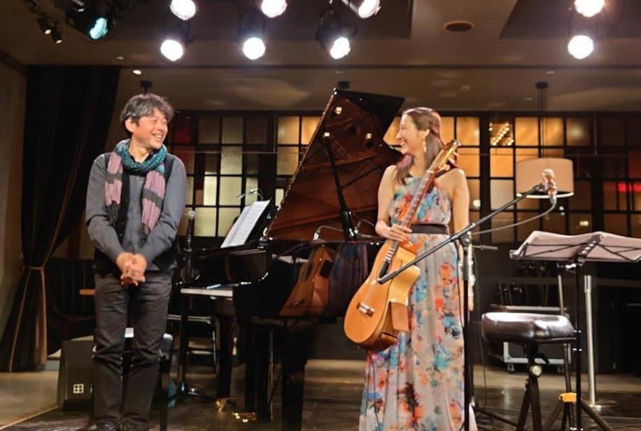 2020年11月 渋谷リビングルームカフェ。ピアノ赤石香喜さんとのDUO